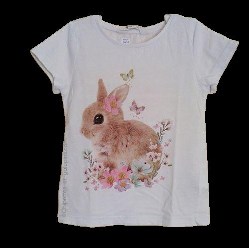 vetement occasion enfant. Vetements enfants pas chers. T-shirt H&M blanc avec motif lapin pour fille de 4 ans. Tout petit prix