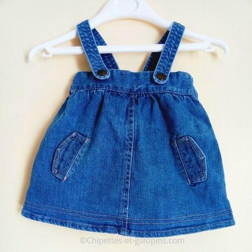 vetement bébé occsion. Vetements bébé pas chers. Robe en jean à bretelles pour bébé fille 3 mois à petit prix