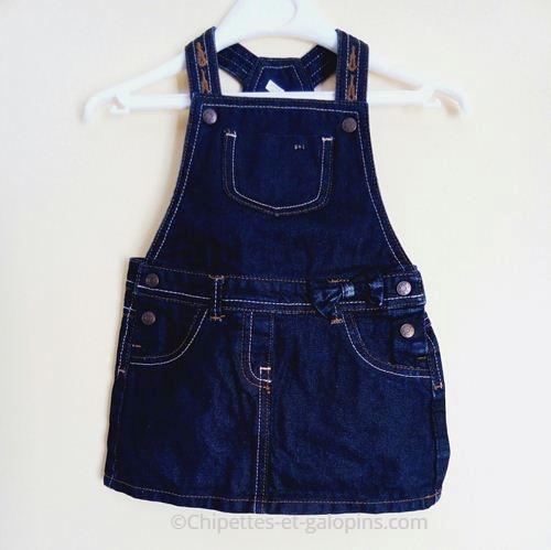 vetement occasion bébé fille. vetements enfants occasion. Salopette- robe en jean bleu enduit bébé fille 12 mois à pas cher