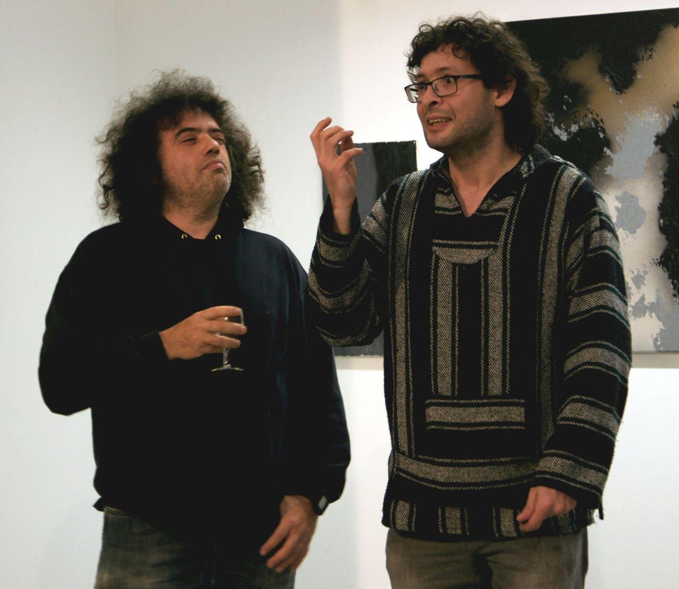 Aziz Onuk (cool), vorgestellt von Yunus Konrat (leidenschaftlich)