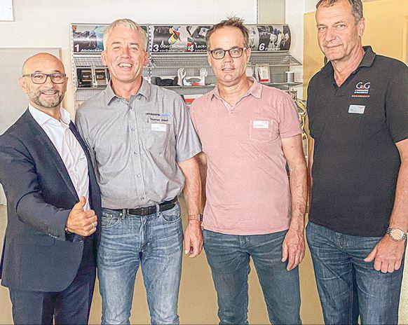 Les choses vont mieux pour «car4rep» (de g. à d.): Enzo Santarsiero et les membres du conseil consultatif Thomas Jauch, Thomas Zumbrunn, Urs Boss.