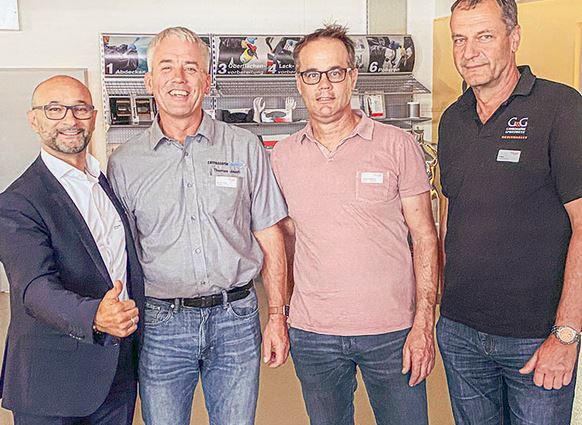 Mit «car4rep» gehts wieder aufwärts (v.l.): Enzo Santarsiero und die Beiräte Thomas Jauch, Thomas Zumbrunn, Urs Boss.