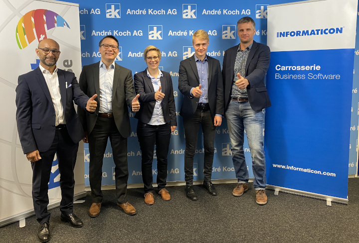 v. l. n. r.: Enzo Santarsiero, Richard Schöller (André Koch AG), Irina Zürcher, Janik Güntert und Patrick Zeller (Informaticon AG).