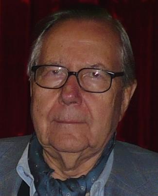 Jürgen aus Grünwald schreibt auch im Alter noch gewissenhaft die Protokolle.