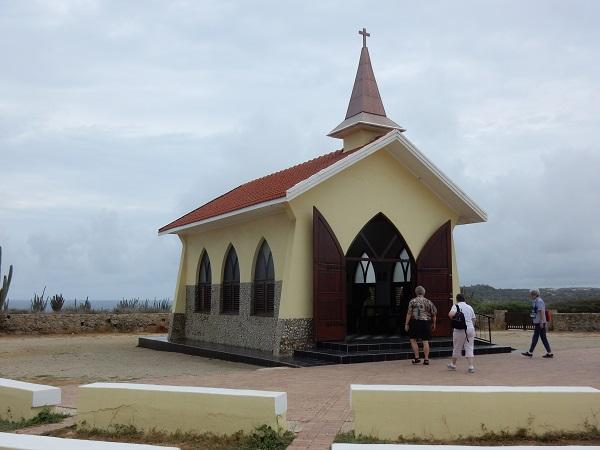 Auf einem Hügel über Aruba steht die kleine Alto-Vista-Kapelle