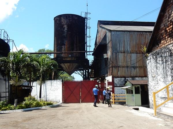 Wir besuchen die Fabrik, von drinnen dürfen wir keine Fotos machen