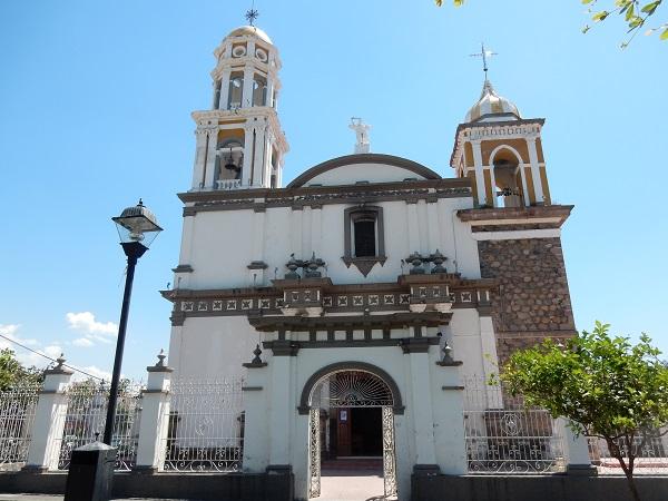 Die Kirche im historischen Zentrum von Colama