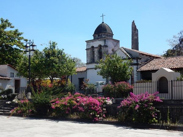 Einst Kloster, dann Zuckerfabrik, heute Hazienda. Hier lebte einst ein bekannter mexikanischer Künstler.