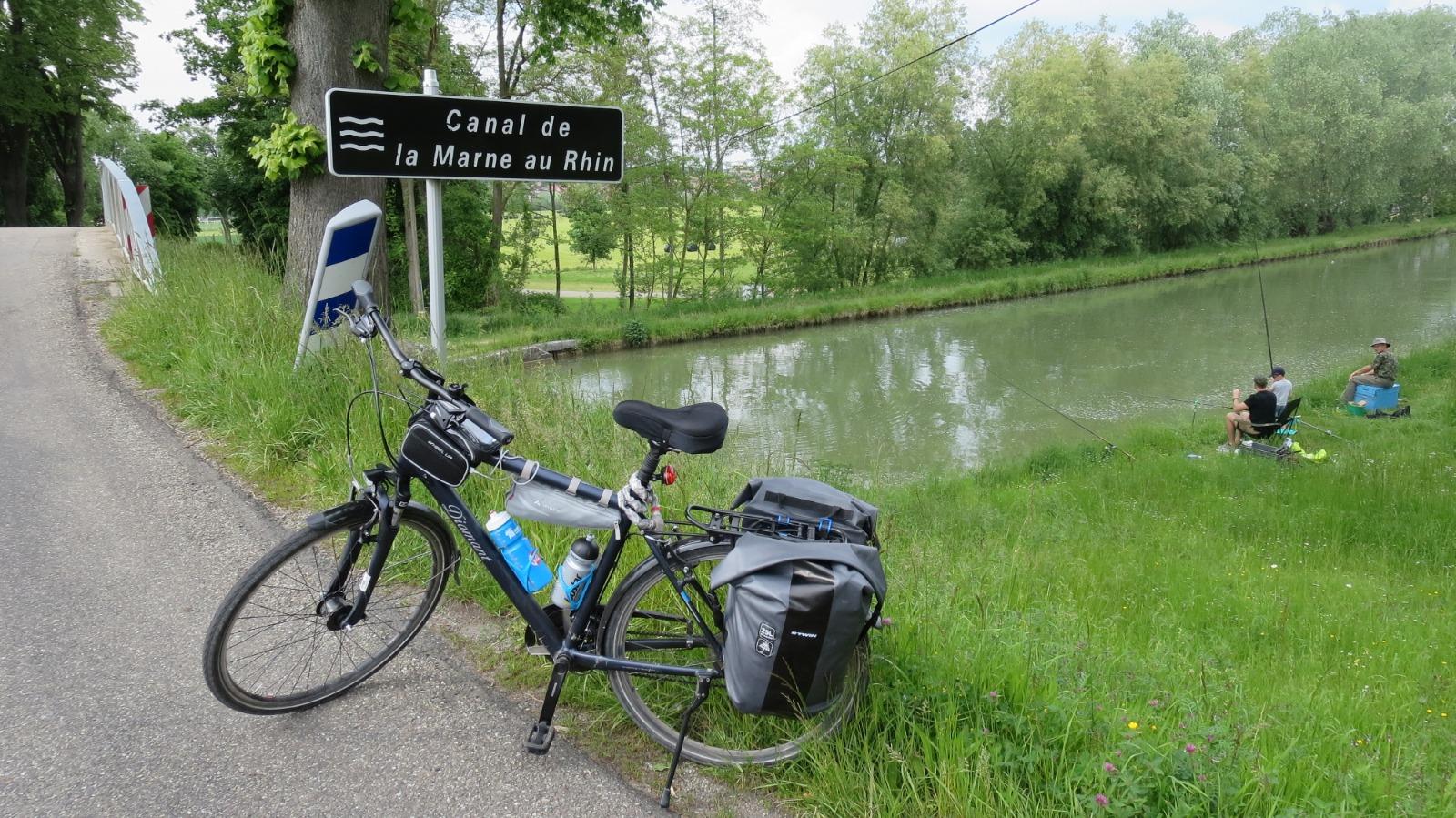 Entlang des Rhein-Marne-Kanals