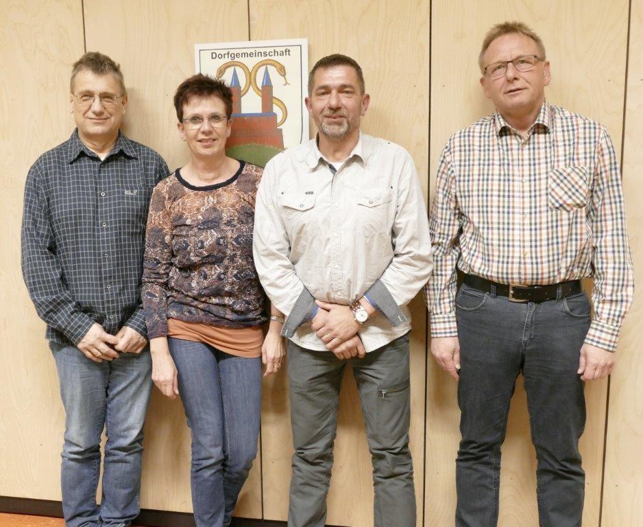 Neuer Vorstand Dorfgemeinschaft von links: Schriftführer Burkhardt Schillig, Geschäftsführung Korinna Helmker, 1.Vorsitzender Achim Eggert, zweiter Vorsitzender Detlef Hildebrandt