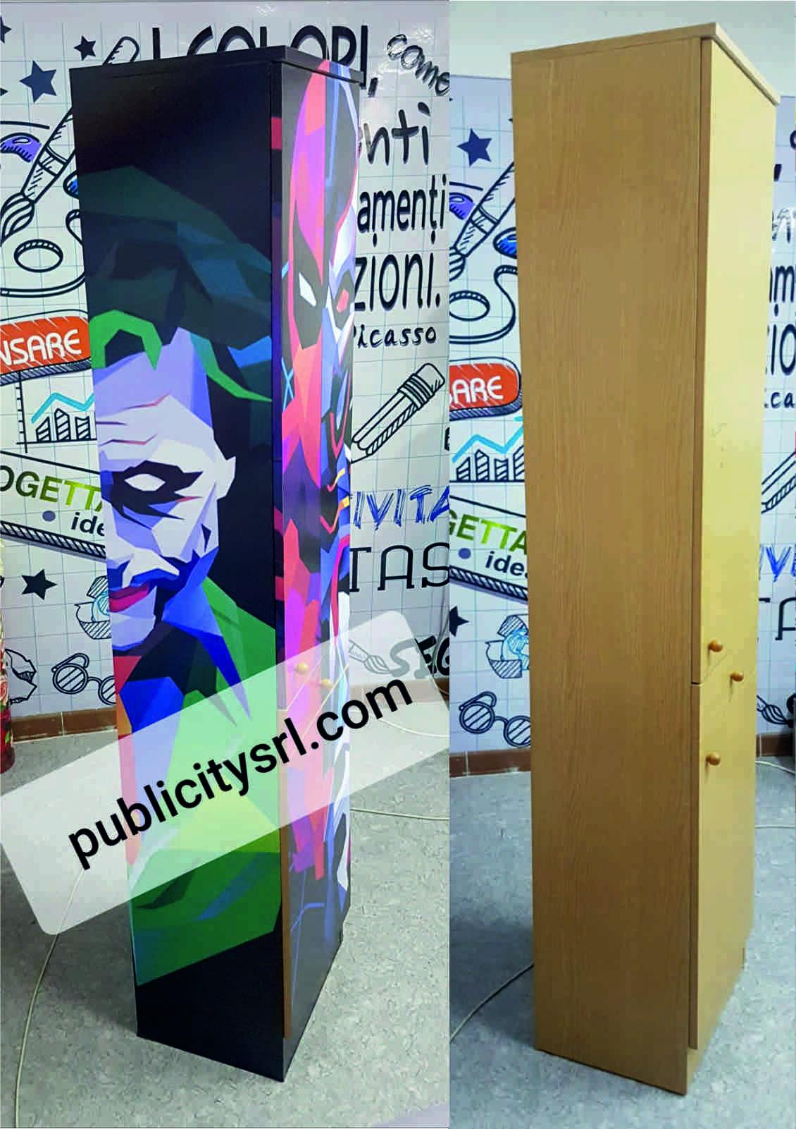 adesivi personalizzati, stickers customized, applicato su mobile in legno