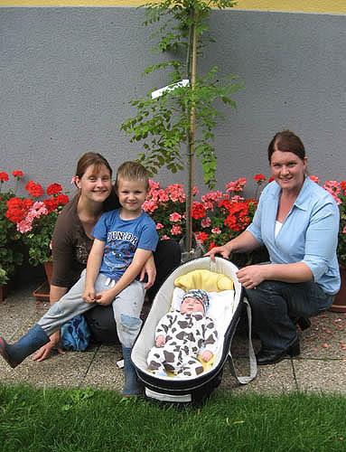 Familie Pötz mit Elfi Krempl