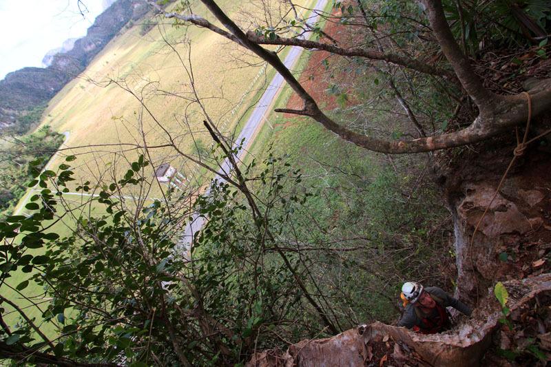 salendo sui mogotes del Parco Nazionale di Vinales Ph Antonio