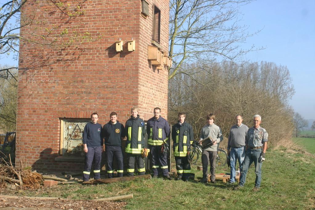 Das Team: Mitglieder der freiwilligen Feuerwehr Brakel und Aktive des NABU