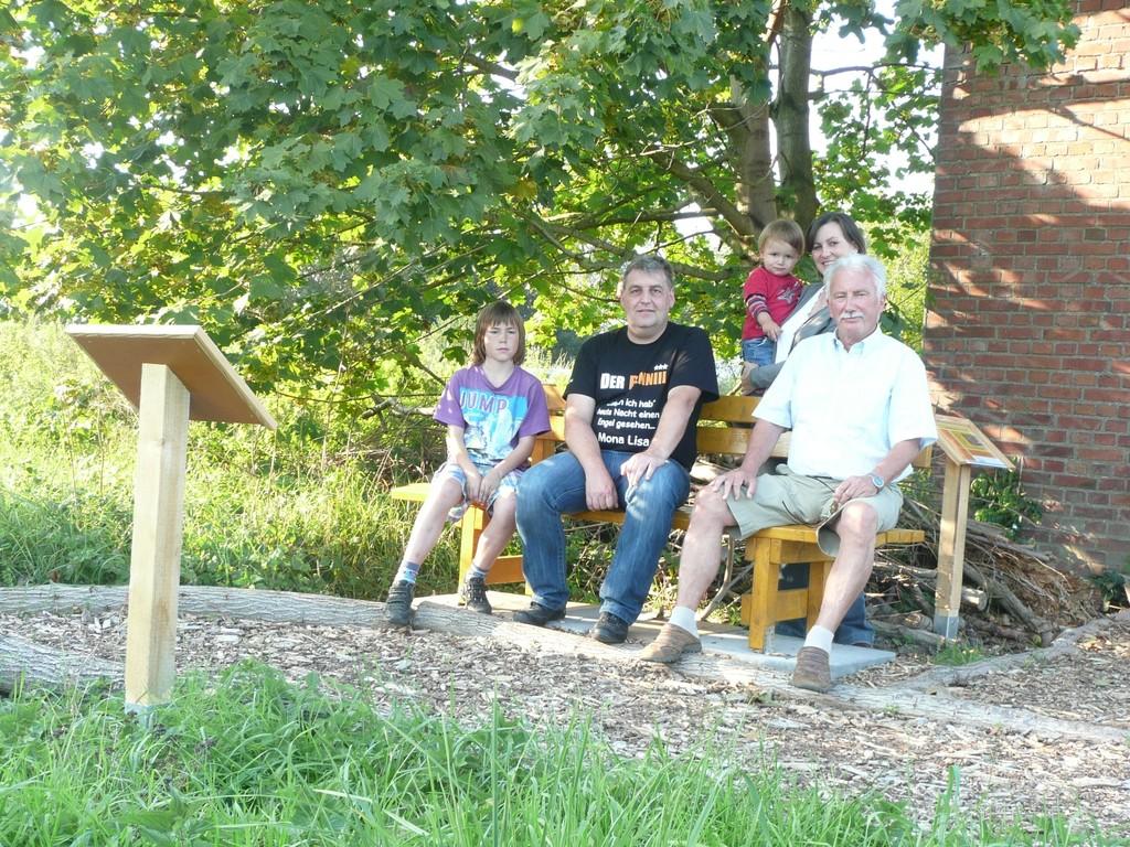 Besonders am Wochenende sind am Lehrpfad einige Besucher anzutreffen.