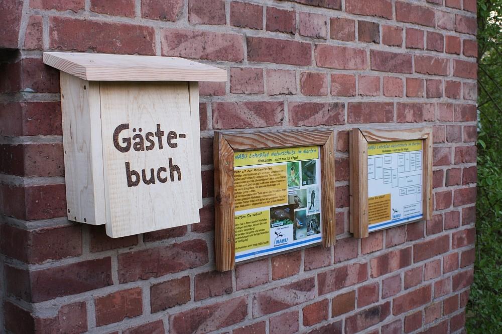 April 2013: Gästebuchkasten am Lehrpfad installiert!