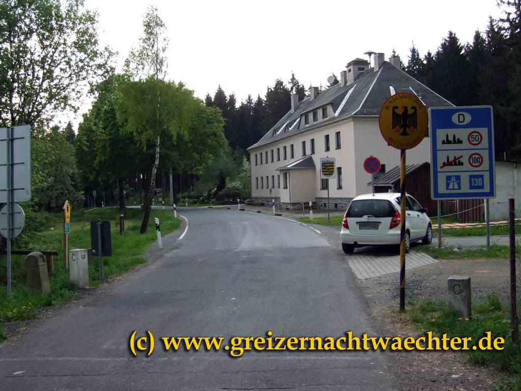 Kleiner Grenzübergang auf dem Vogtlandkamm zwischen Oelsnitz/V. und Asch/Aš bei Roßbach/Hranice