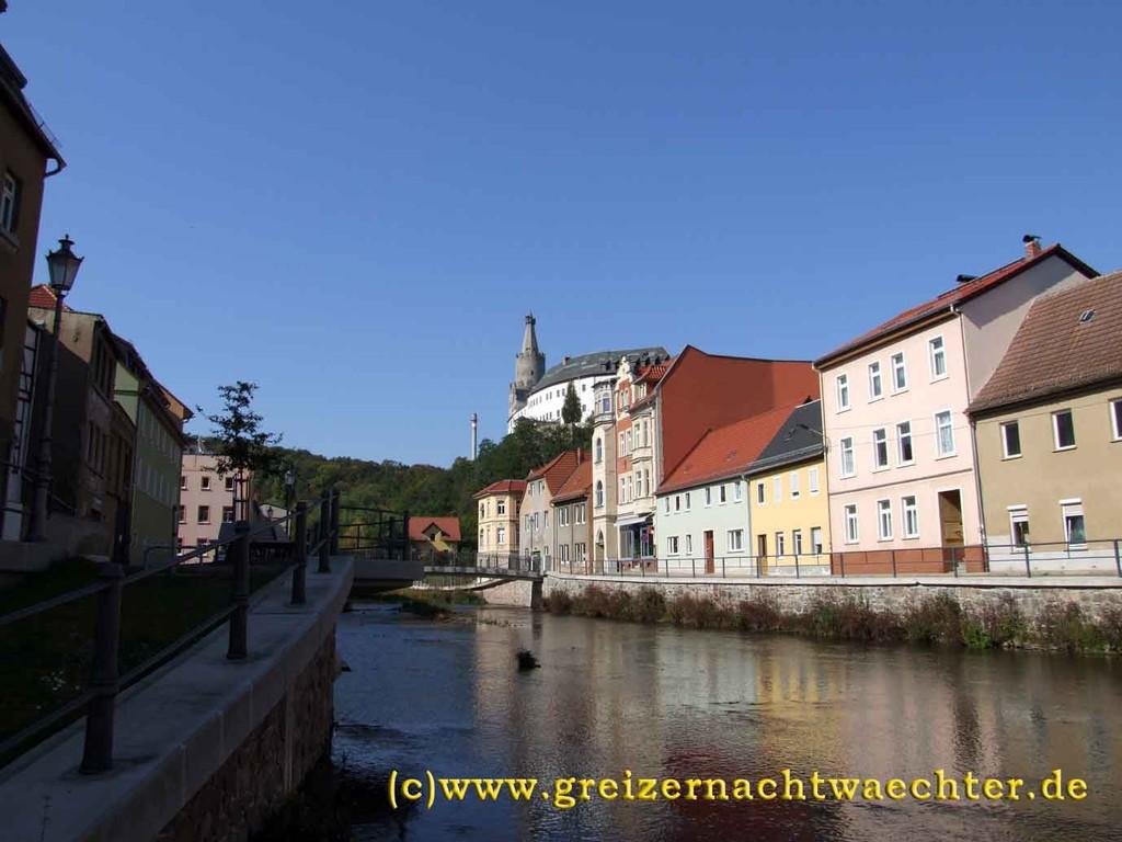 Weida - Partie am Fluß mit Blick zur Osterburg