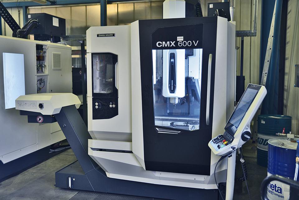 Fräse CMX 600 V. I