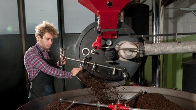 Paolo Managlia Torrefazione Ronchese, Kaffee Bohnen aus Holz röstung, kaffe Crema, Kaffe mit geringe Säure, Kaffee ohne säure, Kaffee Ohne Säure durch Röstung, Kaffee Bohnen Ohne Säure, Leichter Kaffe siebträger Maschine, Barista Kaffee, Kaffe Für barista