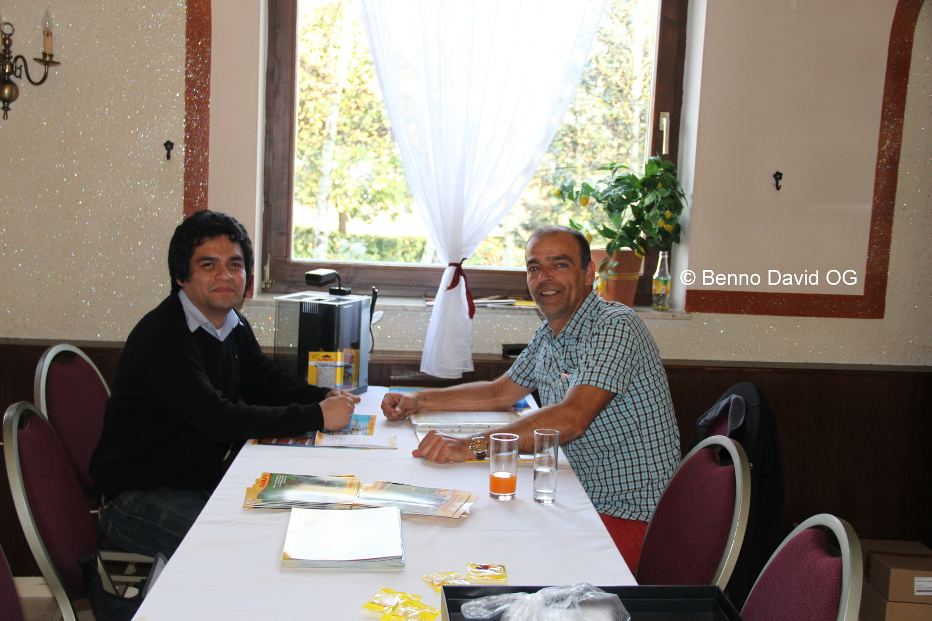 Fernando mit Sera Vertreter