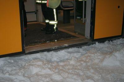 Anschließend wurden die Fahrgäste mit dem Mannschaftswagen der FFW zurück nach Neustadt gebracht. Alle 4 Fotos: Danke an die Freiwillige Feuerwehr Neustadt i. Sachsen! 20.12.2010