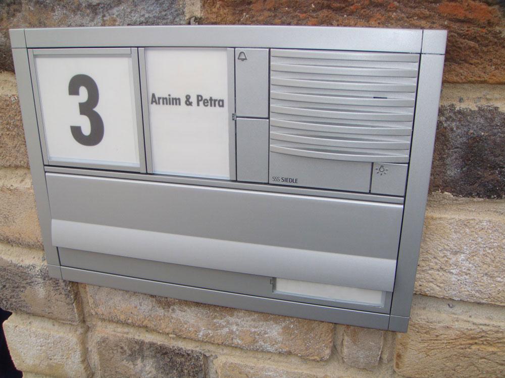 Siedle Vario uP mit Durchwurfbriefkasten