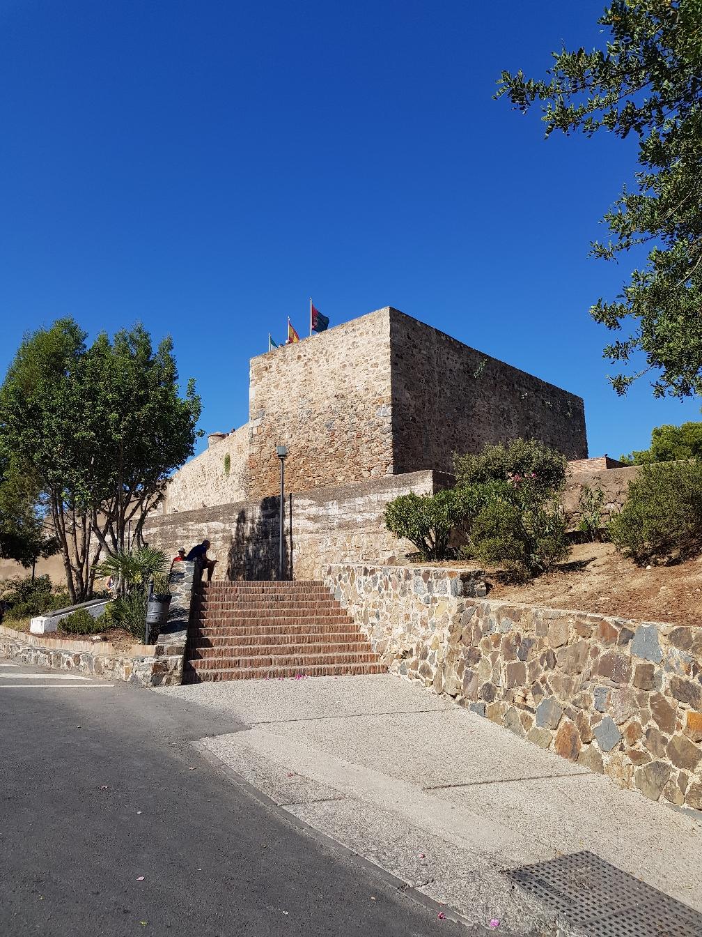 Mein Parkplatz direkt bei der Burg