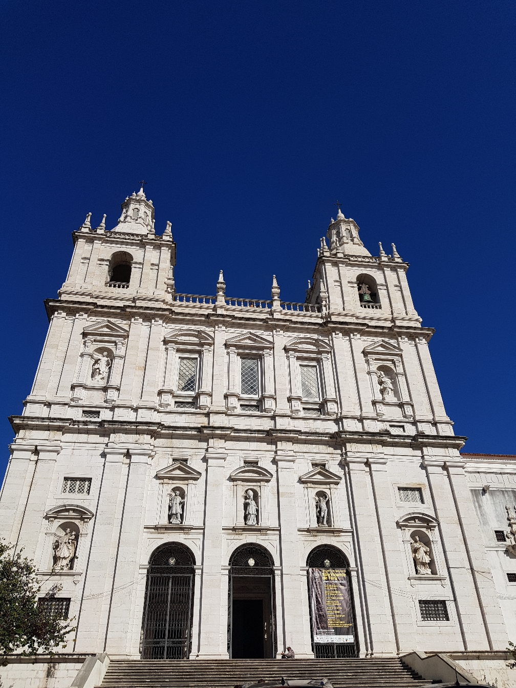 Es folgen ein paar Bilder von Kirchen und deren Innenräume. Leider weiß ich nicht mehr was genau in welcher Kirche war, sodass es nun einfach Bilderfolgen sind. Sorry.