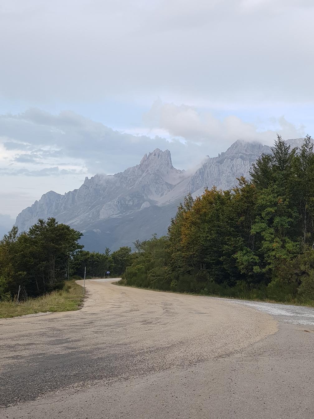 Die ersten Berge kamen zum Vorschein