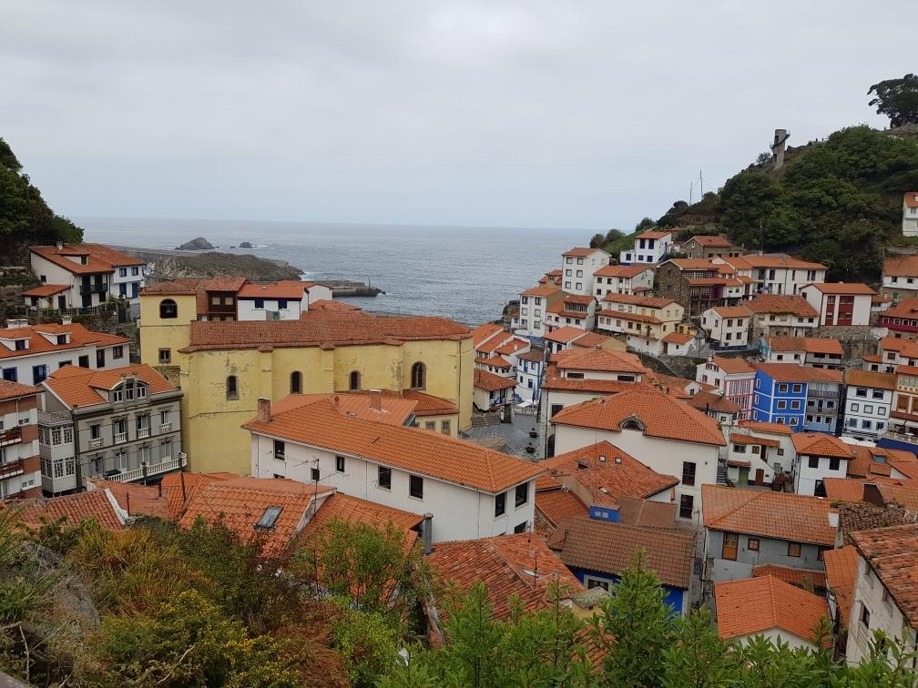 Der Blick auf das Dorf