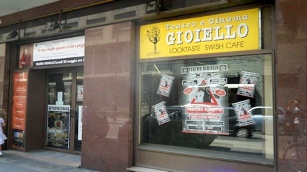 Teatro Gioiello V. Colombo 31