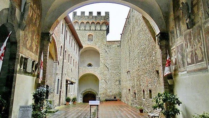 Palazzo dei Vicari e Museo dei Ferri Taglienti