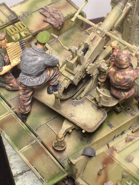 Die Bofors-Flak wurde etwas andersartig coloriert, um ihren anderen Herkunftsort zu charakterisieren.