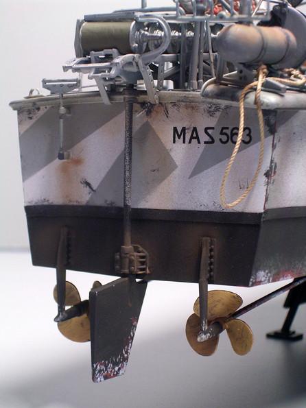 Ruderanlage mit den zwei Schrauben. das Ruder wird durch zwei über das Deck geführte Stahlseile aus dem Fürherhaus angesteuert, sicher eine sensible Konstruktion für das Boot im Gefecht.