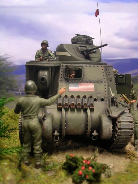 Der Fahrer saß mittig neben der 75mm Kanone und diente auch als Ladeschütze.