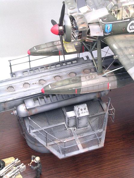 Das Katapult wurde in Schiffsgrau gehalten, um einen Kontrast gegen über der Arado und ihren Tarnfarben zu erhalten.