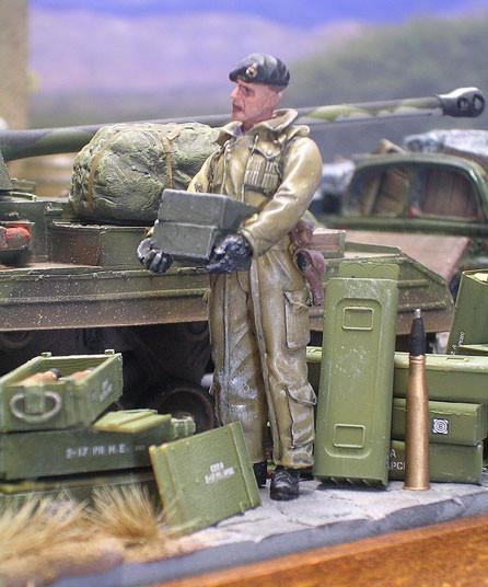 Die britschen Panzersoldaten sind von Verlinden- sehr fein gegossen in ihren typischen wattierten Overalls.