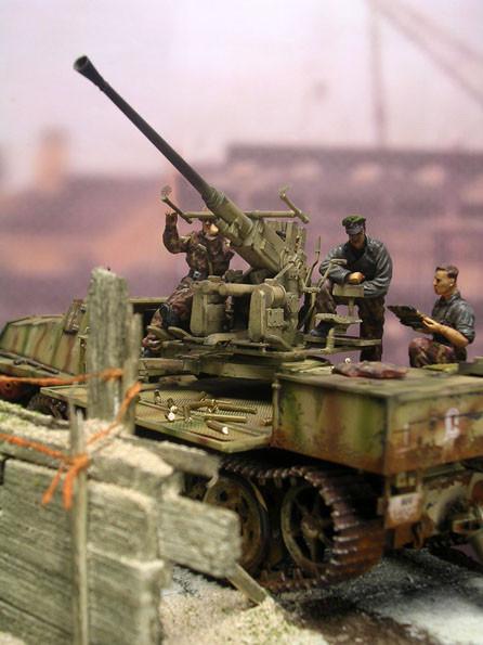 Auffällig und ungewöhnlich: die 4cm-Bofors auf der 3,7cm Lafette.