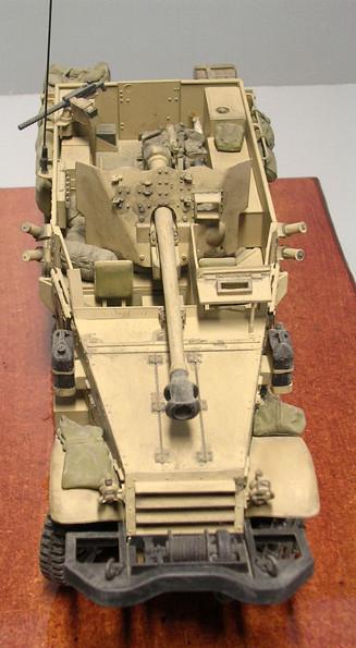 Hier sieht man das bekannten Pakschild der britischen 57mm Pak.