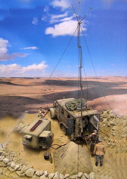Um die Reichweite zu erhöhen, ist die Funkstelle auf einer Anhöhe eingerichtet worden.