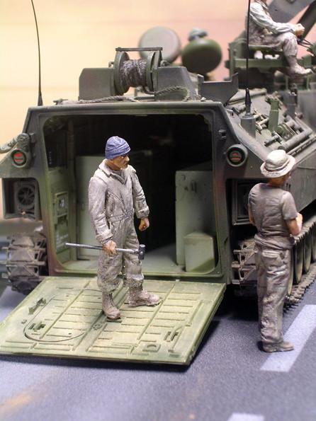 Die Figuren machen die Größe der Fahrzeuge erst deutlich.