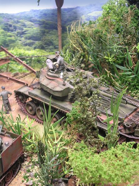 Panzer im grünen Dickicht!