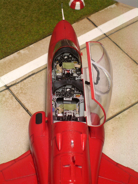 Das Cockpit erscheint nach der Überarbeitung detaillierter und echter.