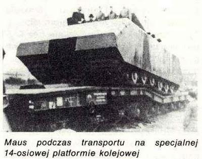 Maus V1 auf dem vierzehnachsigen Reichsbahntieflader