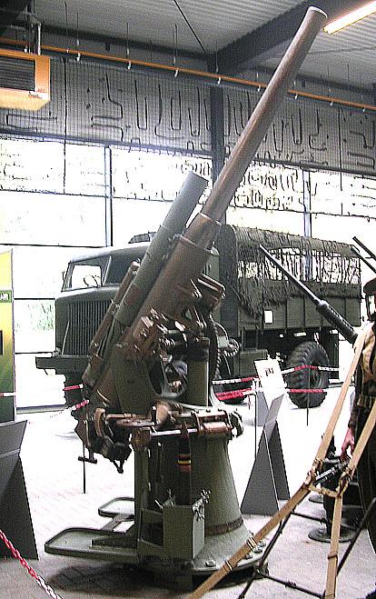 17 pfünder Flakkanone.