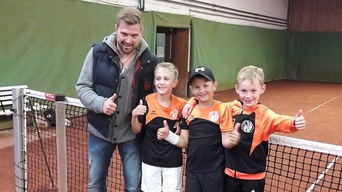 Sportwart Andreas Gruber, Leo Maier, Dominik Todoric und Paul Adamski