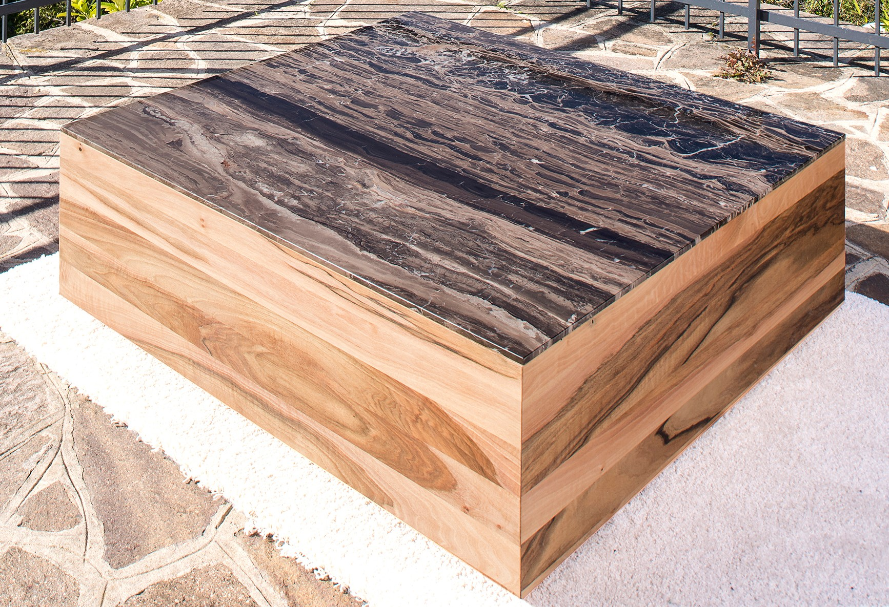 Garda coffee table with walnut wood and Frappucino natural stone top