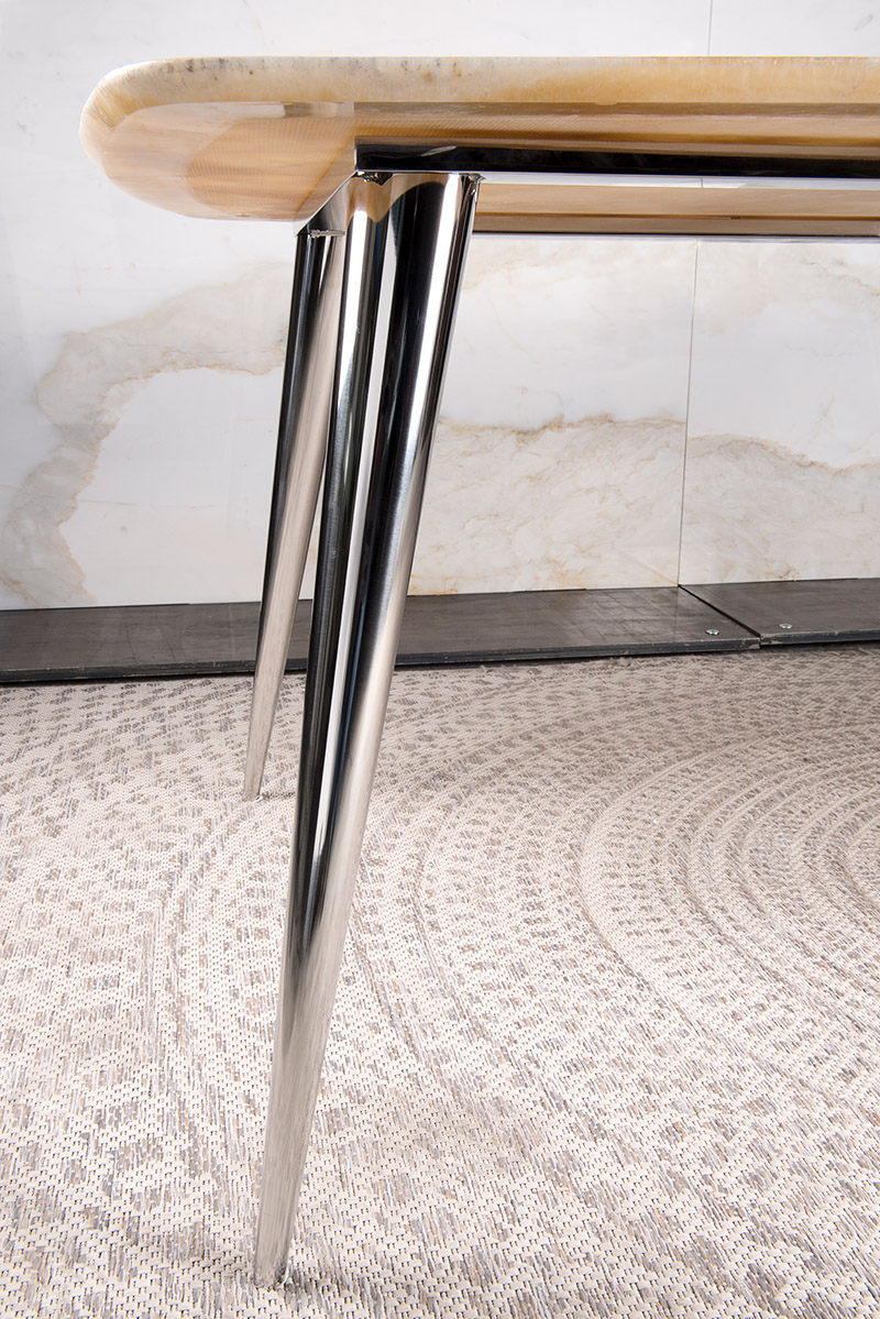 Detail of our top model marble - steel table