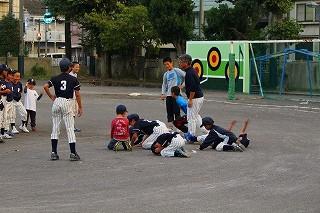 負けたチームは土下座で許してもらいました。